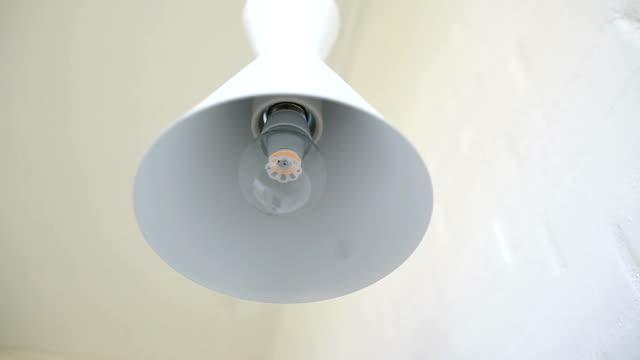 lampe  - led leuchtmittel stock-videos und b-roll-filmmaterial