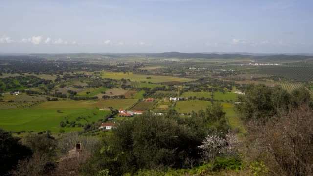 vídeos de stock e filmes b-roll de landscape around mourao in alentejo, portugal - barragem portugal