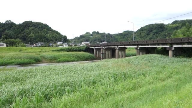 国橋の風景 - 土手点の映像素材/bロール