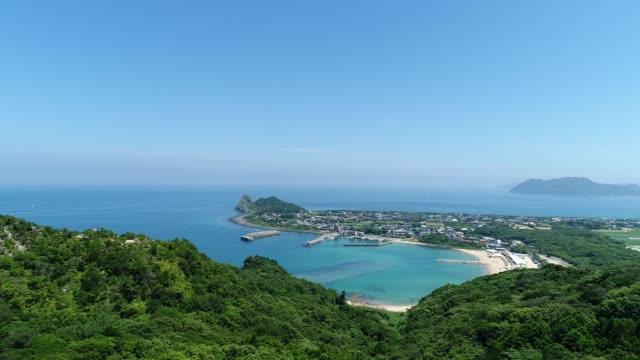 vídeos de stock, filmes e b-roll de paisagem da cidade de itoshima no japão - férias na praia