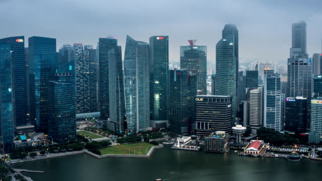 ZO TL D2N Landscape of the Singapore financial district and business building in evening lights from sands SkyPark observation deck