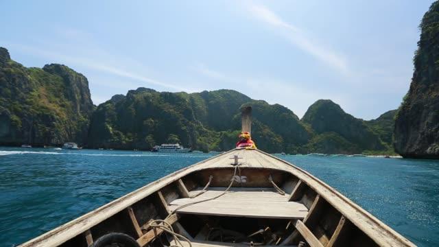 vidéos et rushes de les îles de phi phi paysage - mer d'andaman