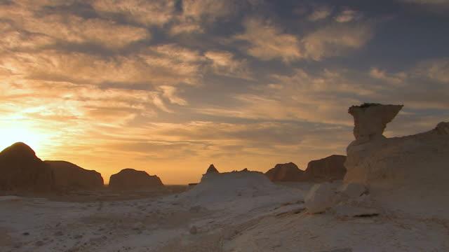 пейзаж-белая пустыня - египет стоковые видео и кадры b-roll