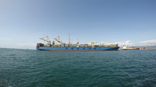 TIME-LAPSE Large cargo ship being unloaded