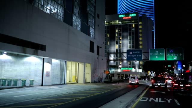 late night ride in miami - проспект стоковые видео и кадры b-roll