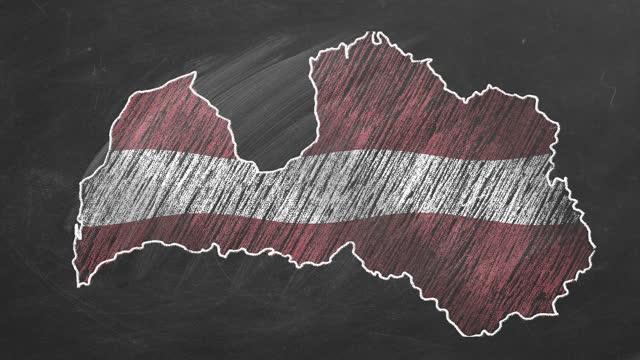 vídeos de stock e filmes b-roll de latvia. chalk drawn and animated map with flag. - letónia