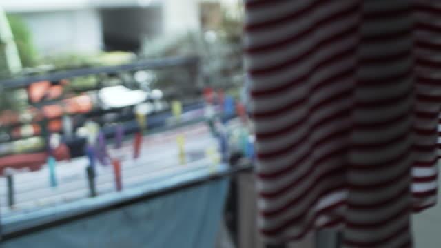 ランドリー バルコニーの乾燥 - 吊るす点の映像素材/bロール