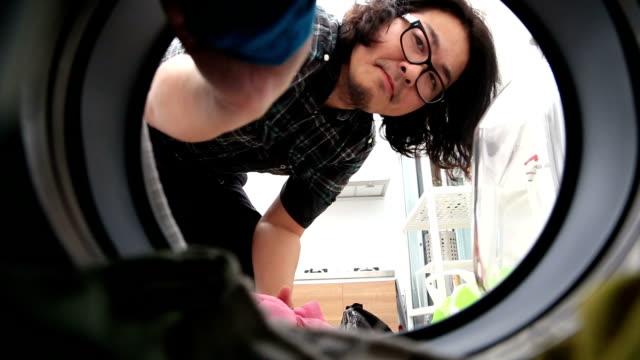 Lavandería y planchado - vídeo