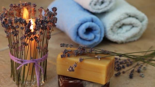 L'aromathérapie à la lavande - Vidéo