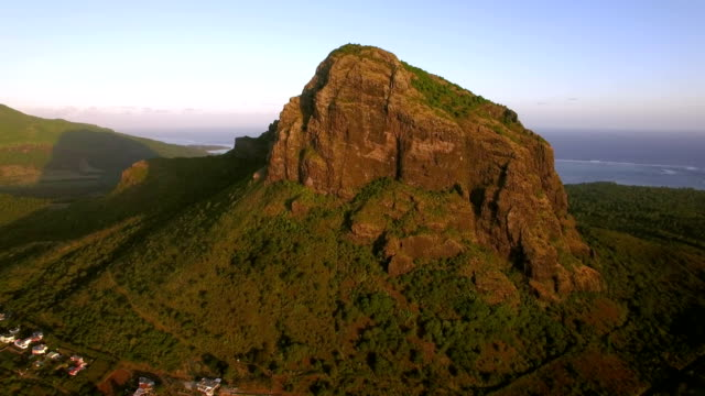 le morne brabant mountain in mauritius, aerial view - isole mauritius video stock e b–roll