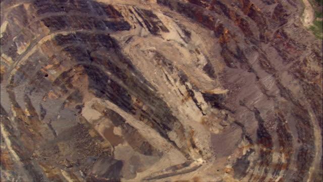 stockvideo's en b-roll-footage met leiden - luchtfoto - south dakota, en valt bestuurlijk lawrence county - lood
