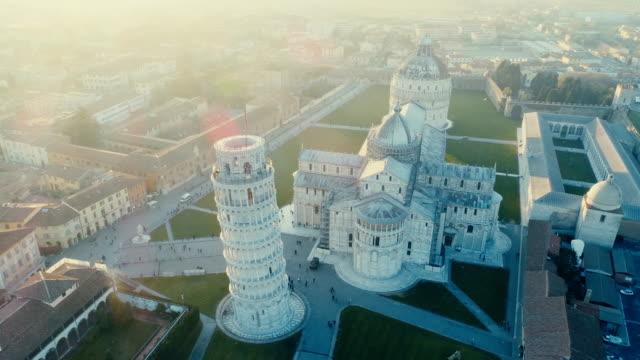 leaning tower of pisa - hava - ita - pisa kulesi stok videoları ve detay görüntü çekimi