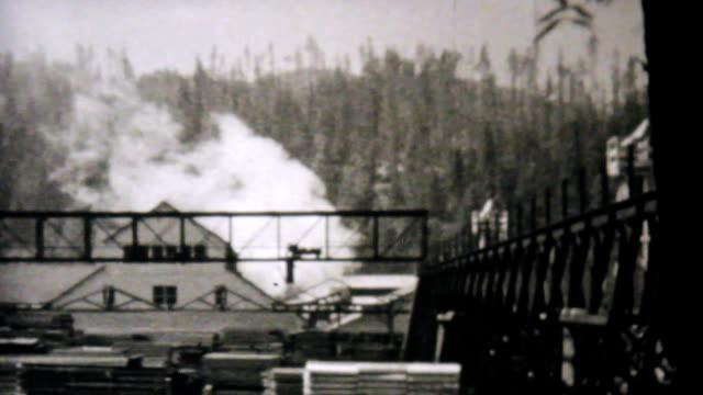 Leaving Eureka California Entering Oregon-1940 Vintage 8mm film