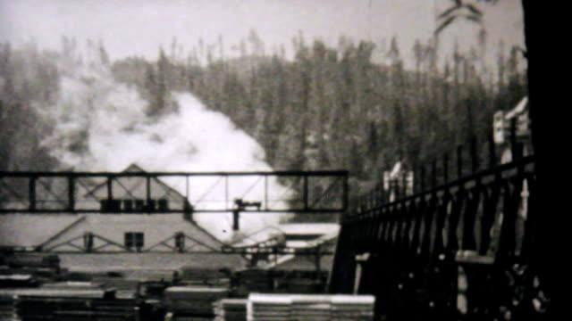 Leaving Eureka California Entering Oregon-1940 Vintage 8mm film video
