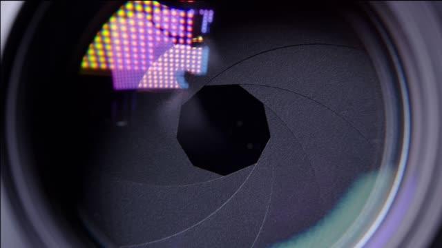 vidéos et rushes de lames d'ouverture lentille - verre optique