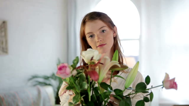 Lifestyle flowers    LI video