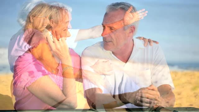 styl życia montaż starsza para o zadowolenie - para aranżacja filmów i materiałów b-roll