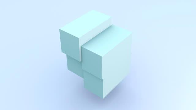 vídeos y material grabado en eventos de stock de cubo azul claro que gira el material de archivo 3d. movimiento de ensamblaje de bloque isométrico. piezas de cubo moviéndose y cambiando aisladas en animación de representación de fondo azul. construcción de forma geométrica en bucle 4k video - cube