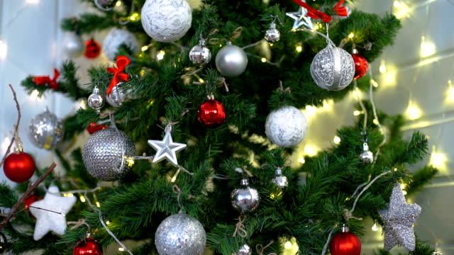 Light Christmas Tree Decorations