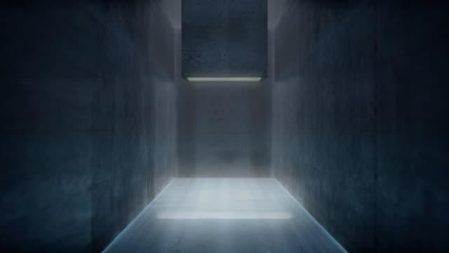 свет падает через бетонную трубу в потолке - бетон стоковые видео и кадры b-roll