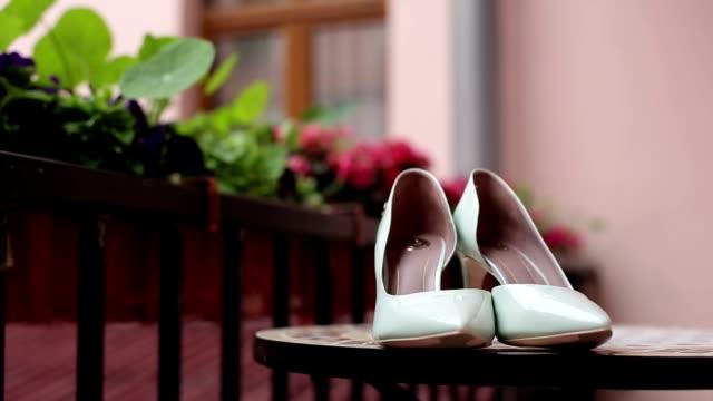 Light green woman's shoes video