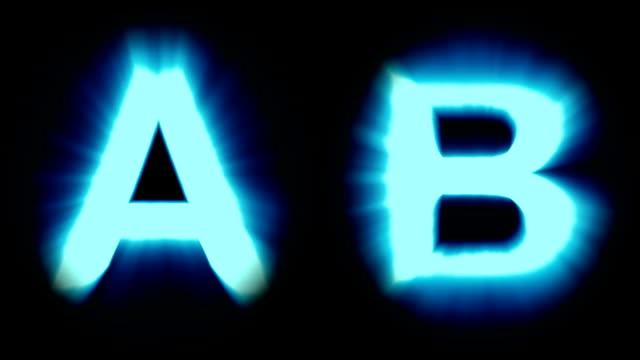 licht, buchstaben a und b - kaltes blaues licht - flackern schimmernden animationsschleife - isoliert - dekorative kunst stock-videos und b-roll-filmmaterial