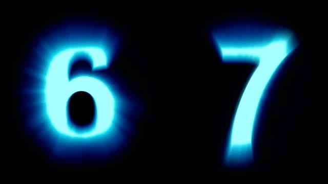 leichte nummern 6 und 7 - kaltes blaues licht - flackern schimmernde animationsschleife - isoliert - dekorative kunst stock-videos und b-roll-filmmaterial