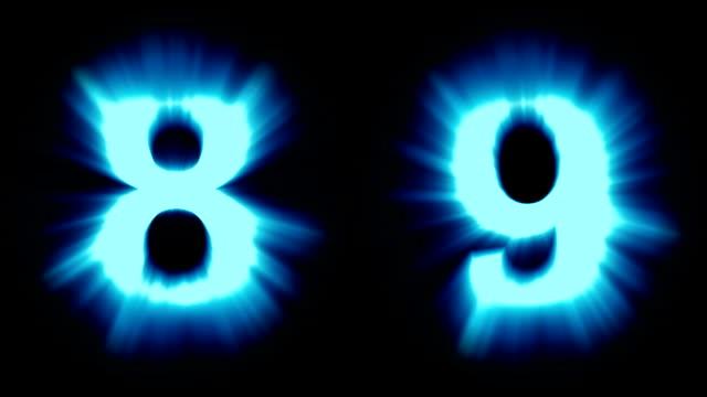 leichte nummern 8 und 9 - kaltes blaues licht - starke schimmernd und intensive flackernde animationsschleife - isoliert - dekorative kunst stock-videos und b-roll-filmmaterial