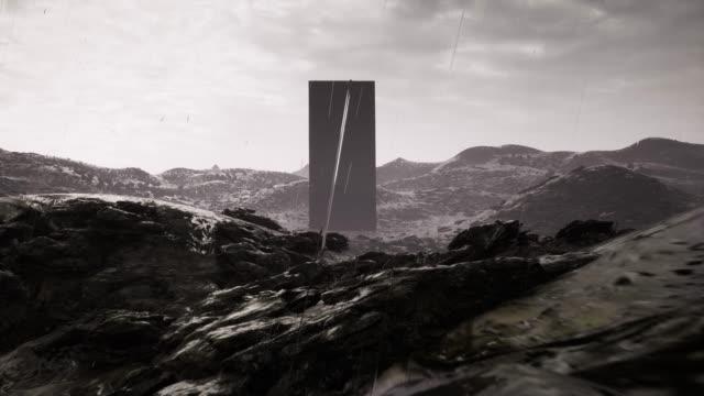 エイリアンの風景に灯台のオベリスク。エイリアンの風景。宇宙イラストの背景。妖精の壁紙。4k - シュール点の映像素材/bロール