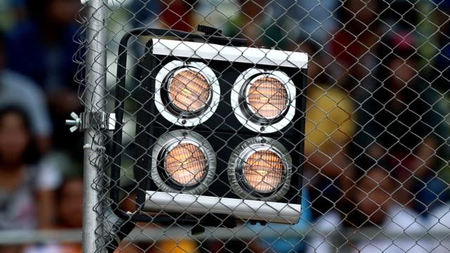 vídeos de stock, filmes e b-roll de sinal de iluminação no circuito de corrida - campeonato esportivo