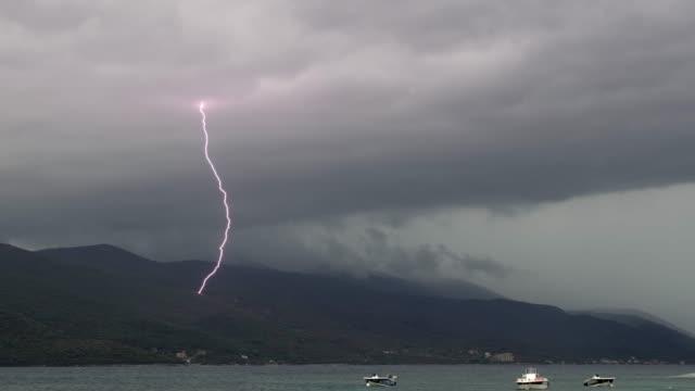 克羅地亞 pelijesac 半島的 ws 閃電風暴 - lightning 個影片檔及 b 捲影像
