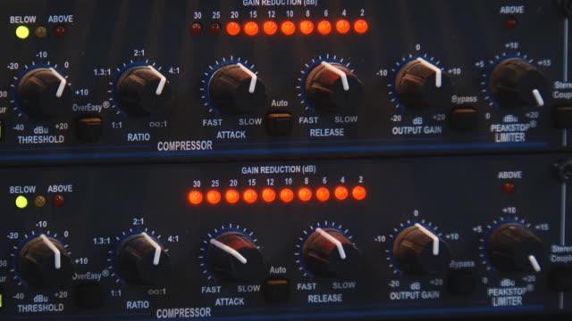 lights on musical equipment video