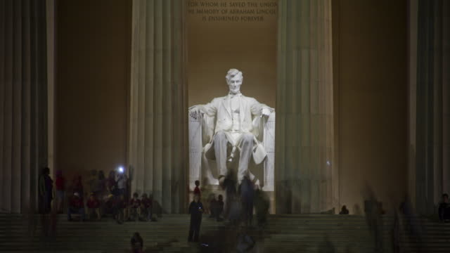 Lincoln Memorial at night - time lapse
