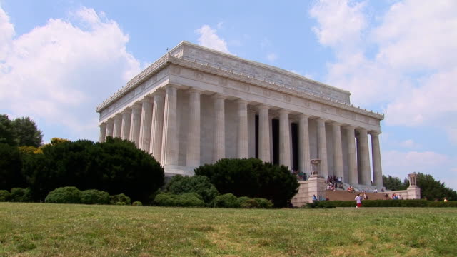 Lincoln Memorial Left side shot of the Lincoln Memorial in Washington, DC national landmark stock videos & royalty-free footage