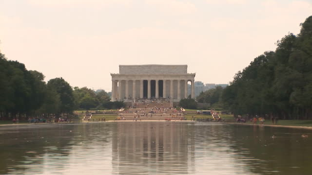 Lincoln Memorial - zoom out video