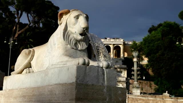 lion fountain Rome video