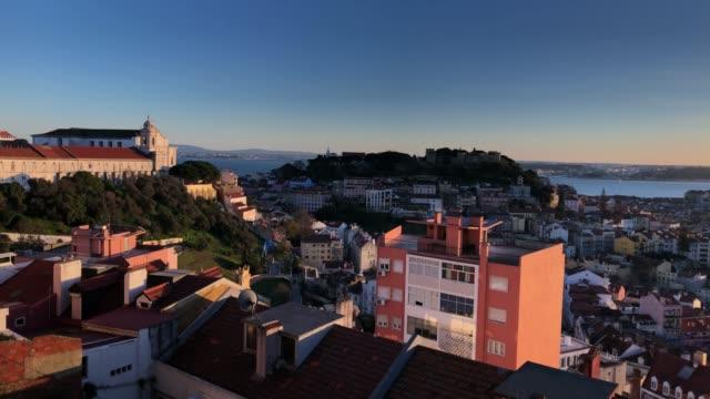 vídeos de stock e filmes b-roll de lisbon/portugal-february 10, 2018.  miraduoro of the lady of mount sunset view 4k - portugal map