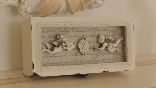 Little Angels On The Jewelry Box video