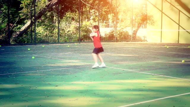 Little girl on the tennis court video