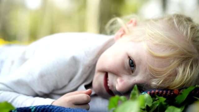 Little girl posing video