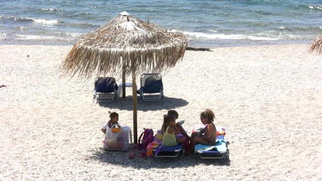 Little girls on the beach (HD) video