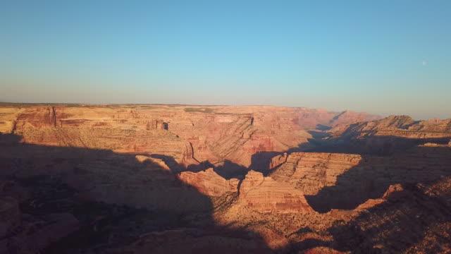 vídeos de stock e filmes b-roll de little grand canyon - vale