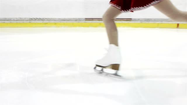 małe lody skater - łyżwa filmów i materiałów b-roll