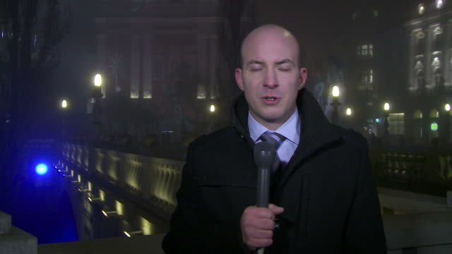 HD: Live Report In The Financial District video