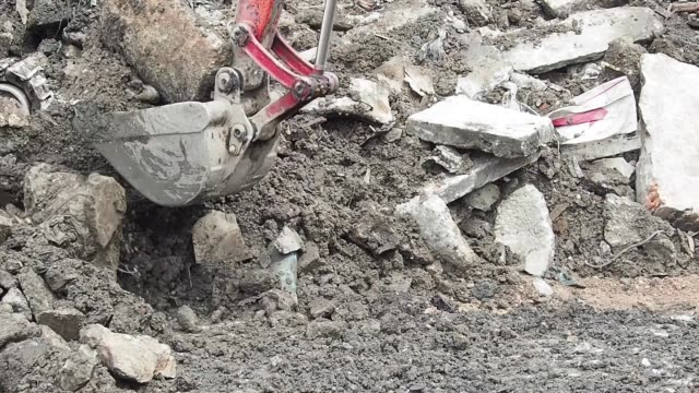 Loading and digging the machine is working construction machinery stock videos & royalty-free footage