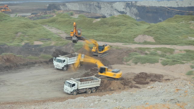 Loading of iron working machine in coal mine video