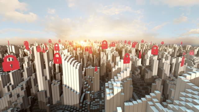 混雑した都市の上空を飛ぶロックシンボル - ウイルス対策ソフト点の映像素材/bロール