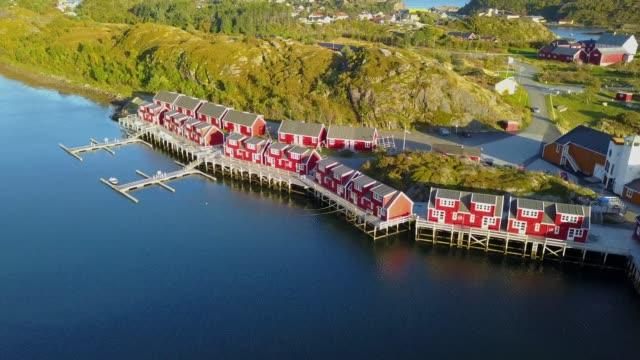 vídeos de stock e filmes b-roll de lofoten islands and beach aerial view in norway - reine