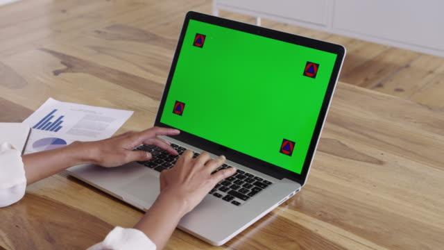 verimlilik gündüze oturum - www stok videoları ve detay görüntü çekimi