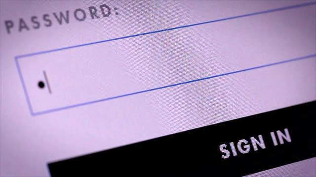 vídeos de stock, filmes e b-roll de closeup de página da web de logon - log on